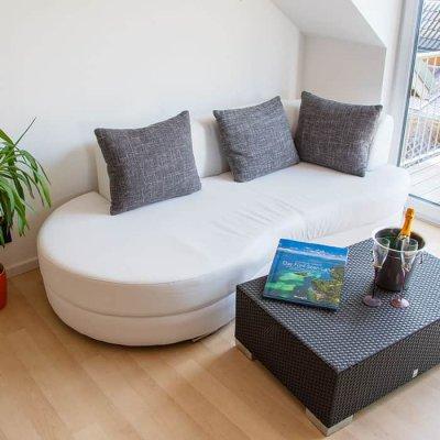 Moderne Sitzecke in der Ferienwohnung Robert Brack in Herrsching